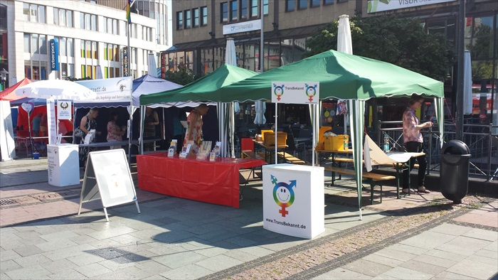 Gendertreff beim Ruhr-CSD Essen 2014 001