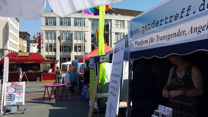 Gendertreff beim Ruhr-CSD Essen 2014 004