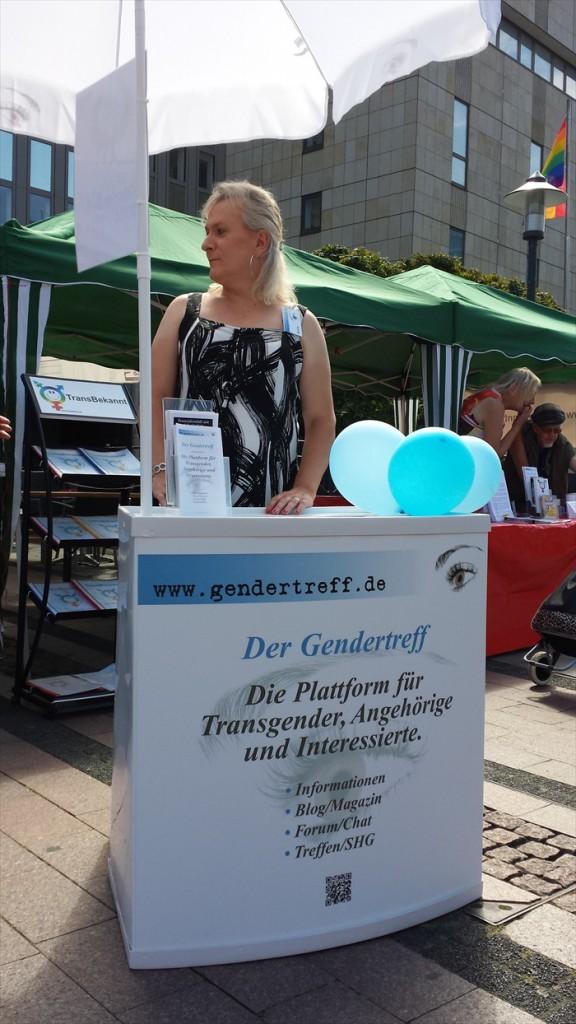 Gendertreff beim Ruhr-CSD Essen 2014 005