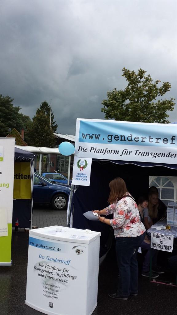 Gendertreff beim CSD Aurich 2014 015