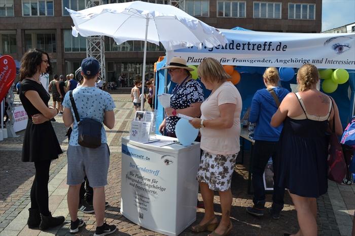 Gendertreff beim CSD Dortmund 2015 011