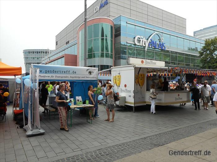 CSD Duisburg Gendertreff 2016-07 030